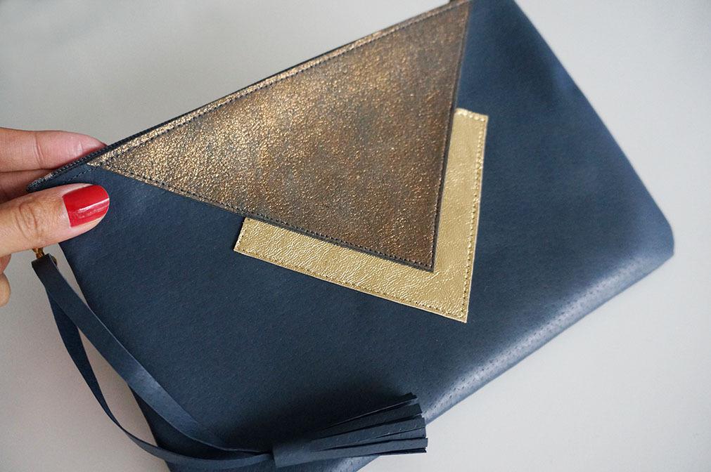 pochette-cuir-bleu